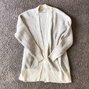 URBAN OUTFITTERS Cozy cream cardigan